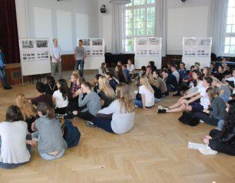 Geschichte 'zum Anfassen' mit DDR-Zeitzeugen