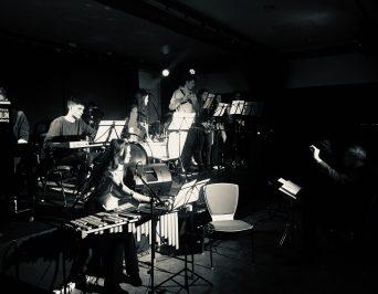 Oberstufen-Bands grooven im Brakula